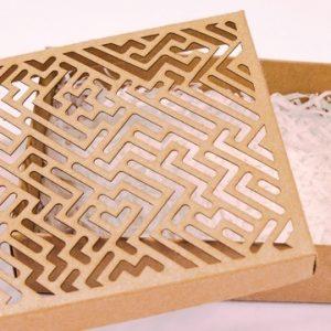 Cắt/ khắc hoa văn hộp quà tặng ấn tượng